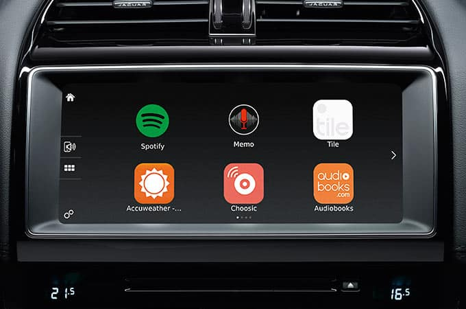 F-PACE touchscreen