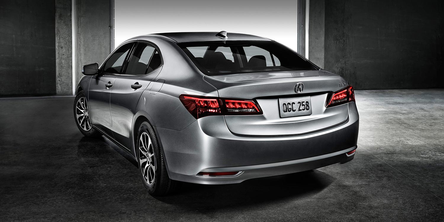 Acura TLX feature multi-rearview camera