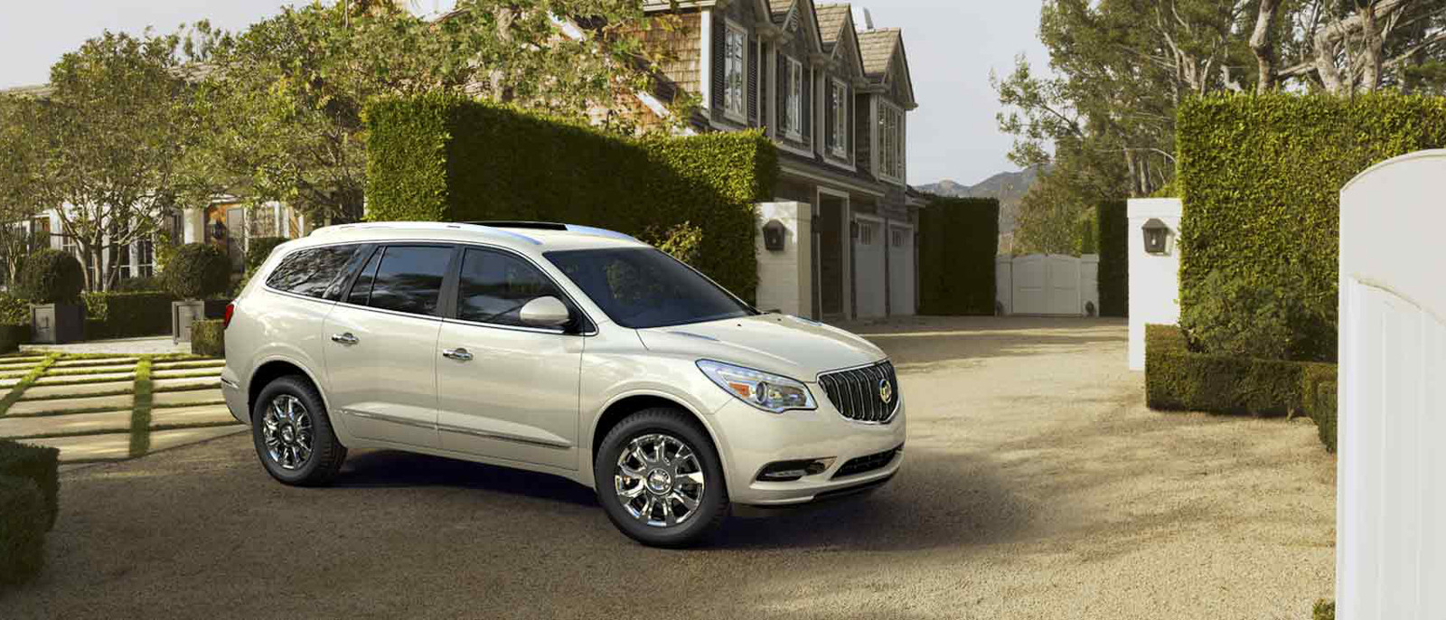 2016 Buick Enclave Side View