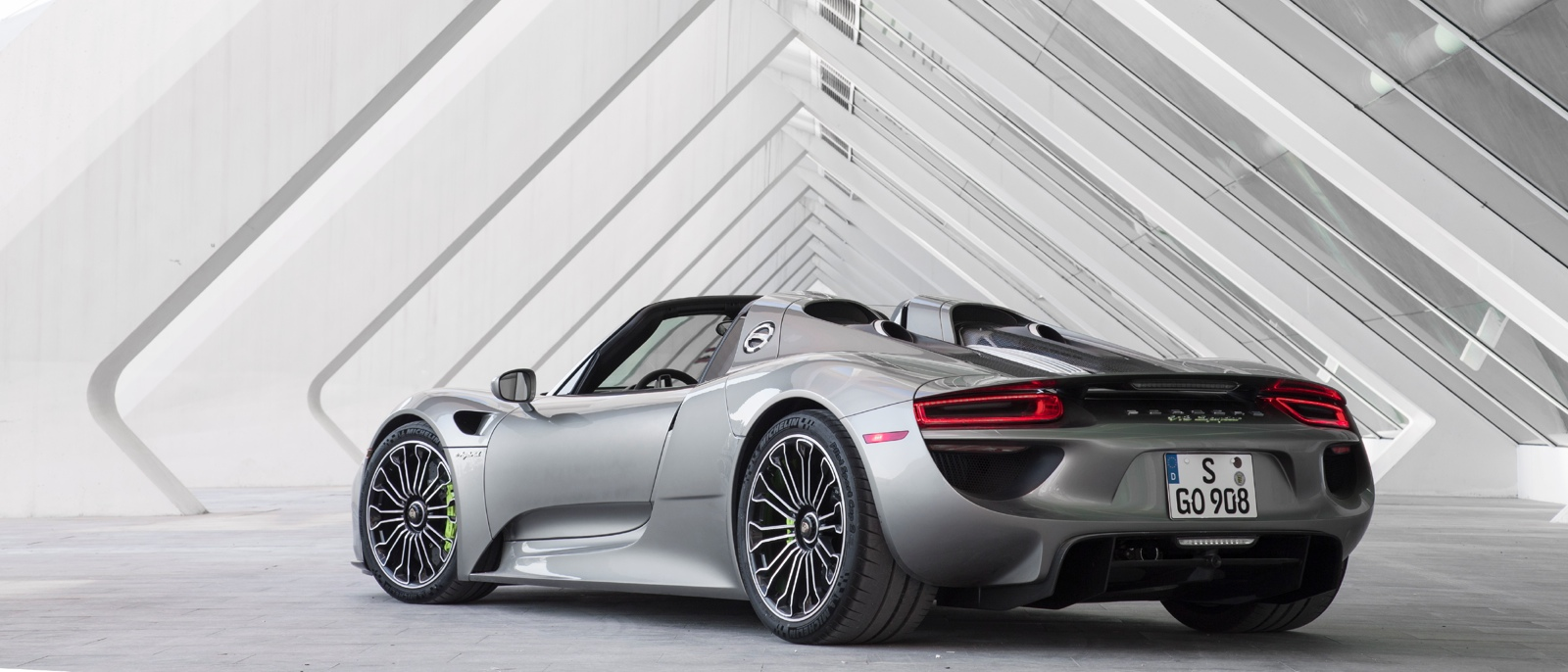2015 porsche 918 spyder porsche orland park. Black Bedroom Furniture Sets. Home Design Ideas