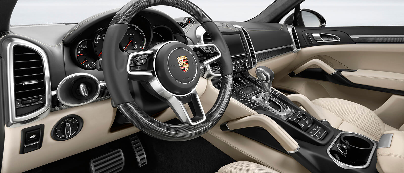2017 porsche cayenne turbo s interior