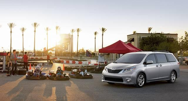 The 2017 Toyota Sienna Lancaster Toyota East