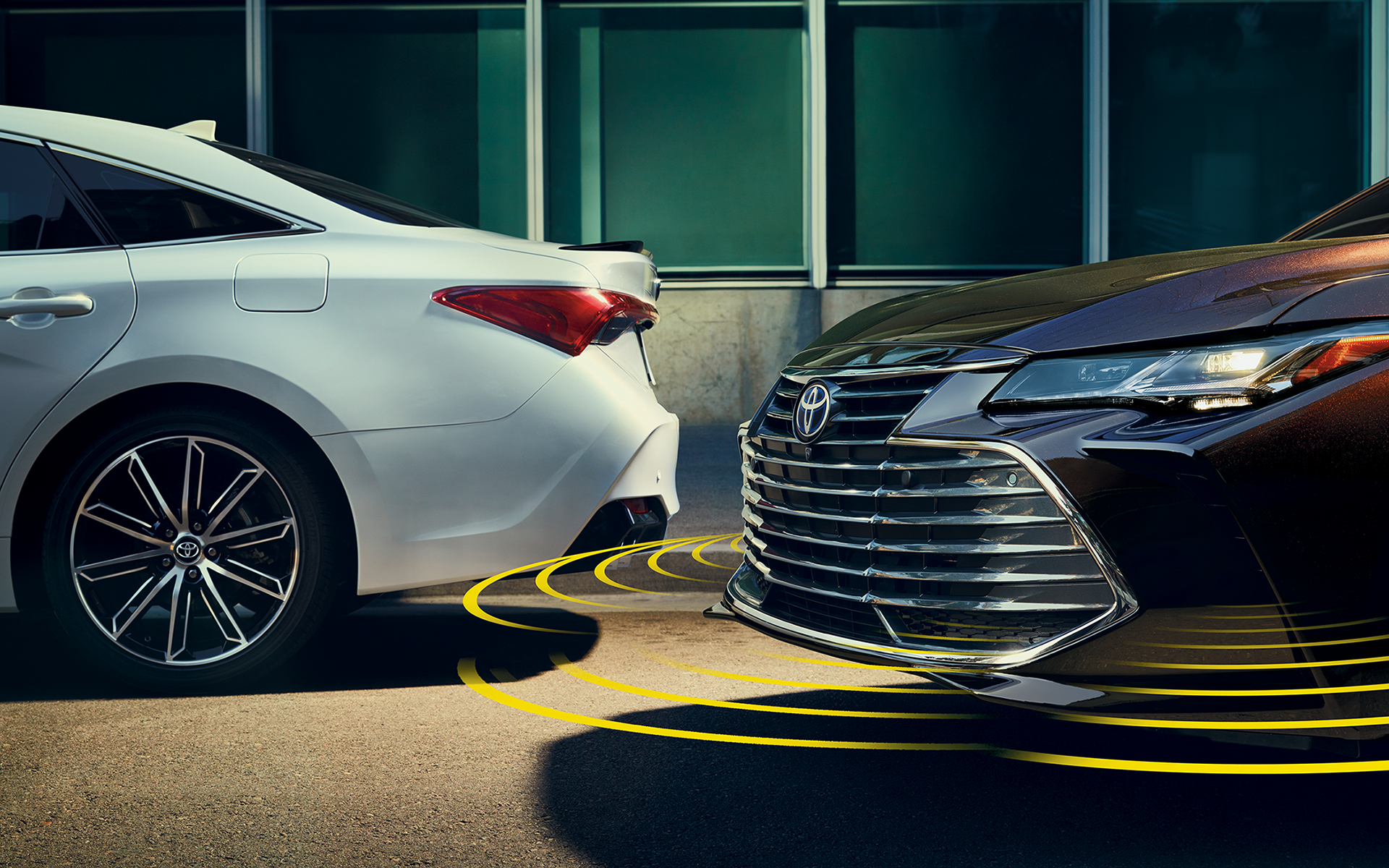 2019 Toyota Avalon Safety System announces nearby obstacles