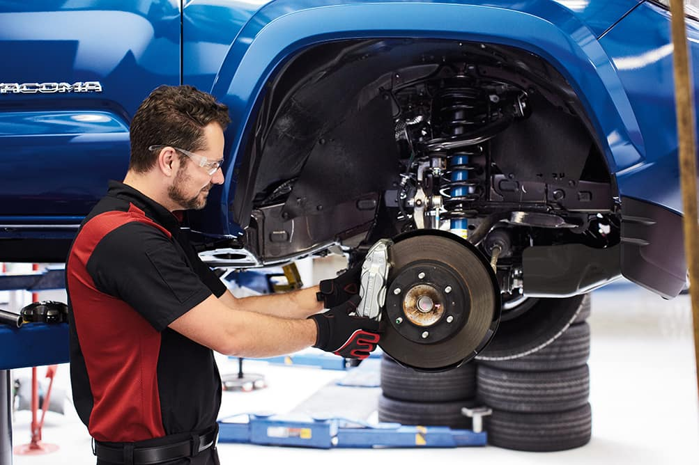 Lancaster Toyota is a Toyota Dealership in Lancaster near Salunga-Landisville PA | Toyota mechanic fixing brakes