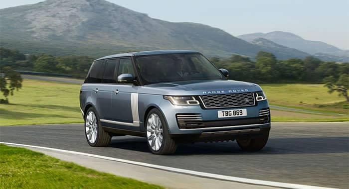 Land Rover Range Rover Driving