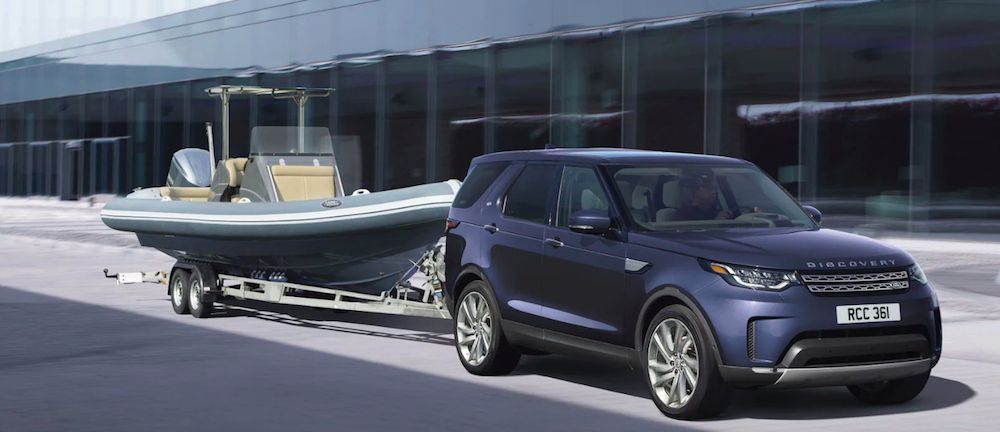 Land Rover Discovery towing a boat