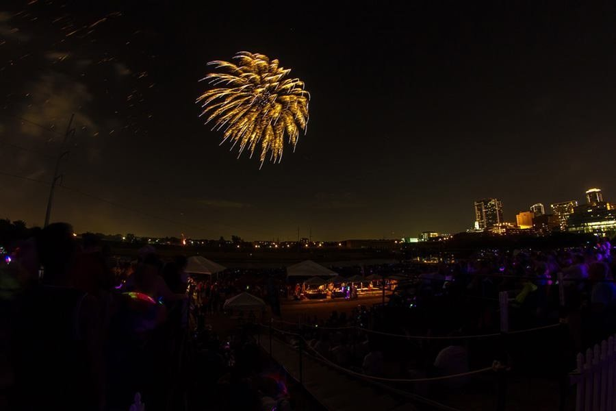 Fourth Of July 2017 Fireworks In Dallas Fort Worth Mac