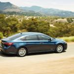 2016 Toyota Avalon Trail Driving