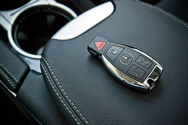 Mercedes benz replacement key in akron oh mercedes benz for Mercedes benz key battery