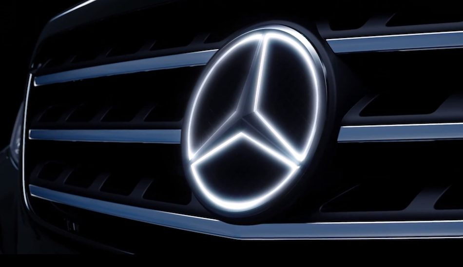 Mercedes-Benz-Illuminated-Star-Grille