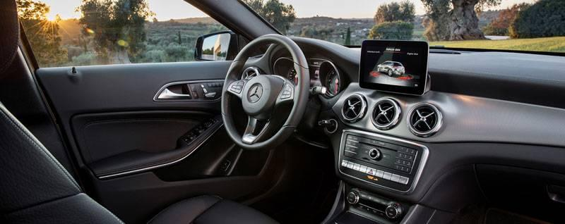 2018 Mercedes-Benz GLA Interior | First Look