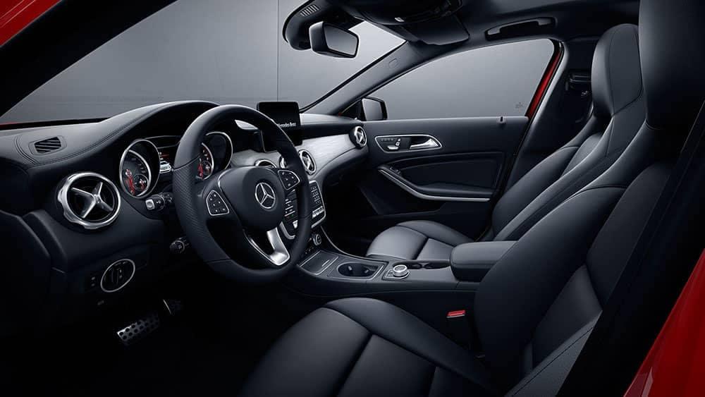 2019-Mercedes-Benz-GLA-black-interior
