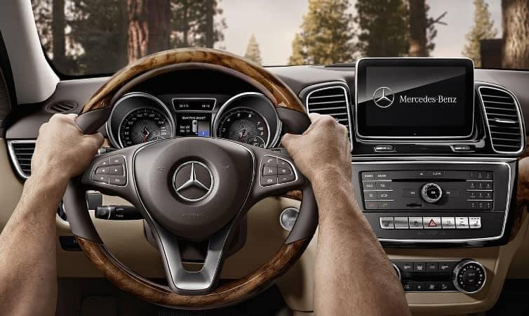2019 Mercedes-Benz GLE dash