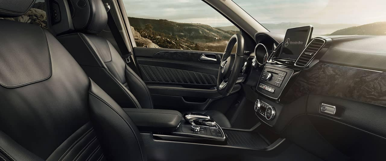 2019 Mercedes-Benz GLE interior cabin
