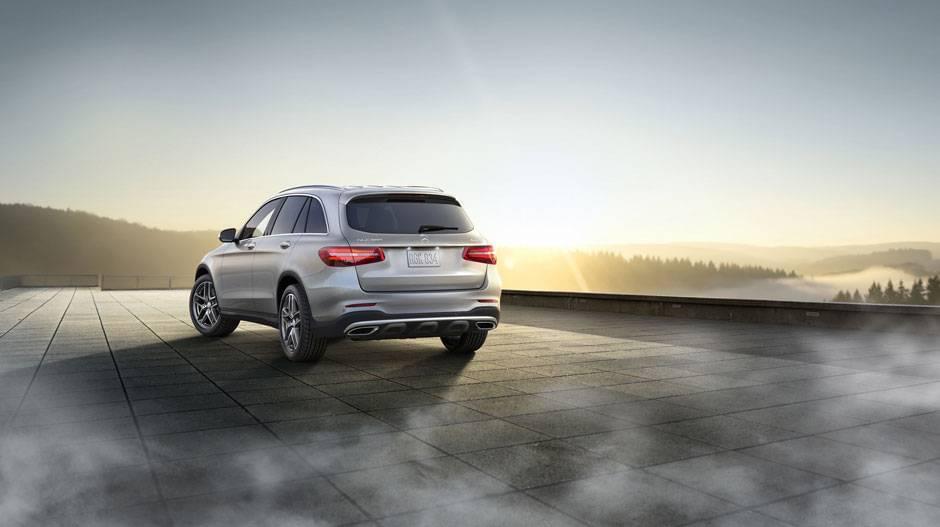 2017-merceds-benz-glc300-iridium-silver-advanced-parking-assist-sport-packages-rear