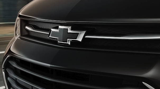 2019 Chevrolet Trax front badge