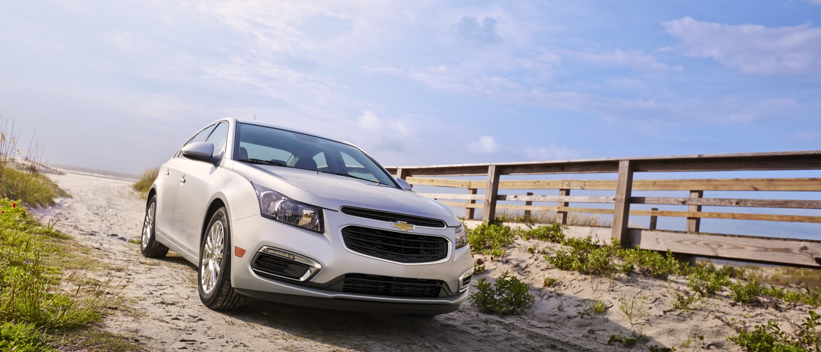 2015 Chevrolet Cruze Front/Side Exterior Image Silver