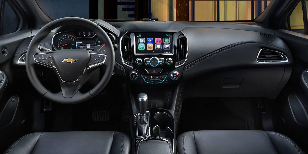 2017-chevy-cruze-interior-main