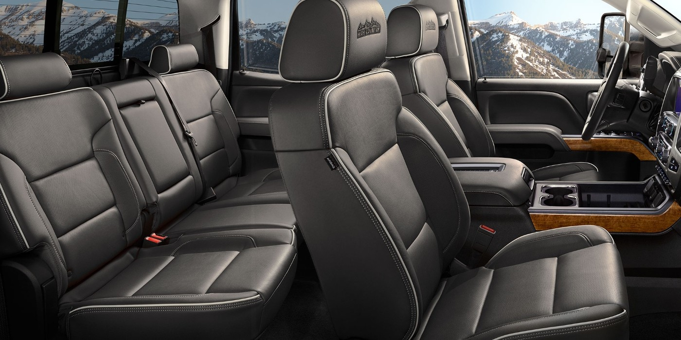 2018-chevrolet-silverado-2500-interior-main