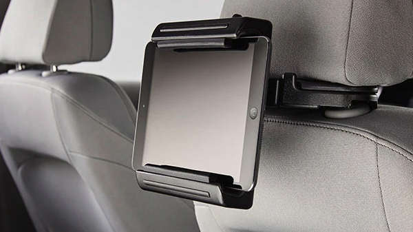 Chevrolet Malibu tablet holder