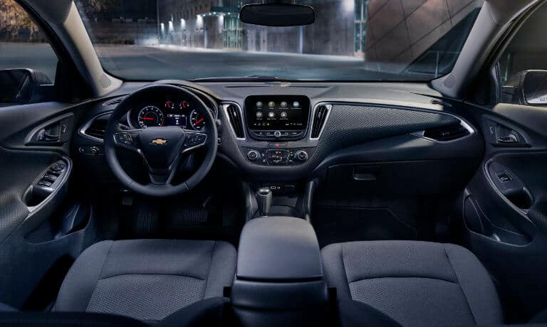 19Chevy-Malibu-InteriorFrontView-5x3