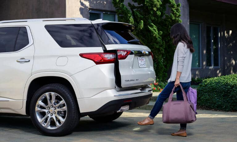 2020 Chevy Traverse Exterior Woman Using Liftgate Sensor