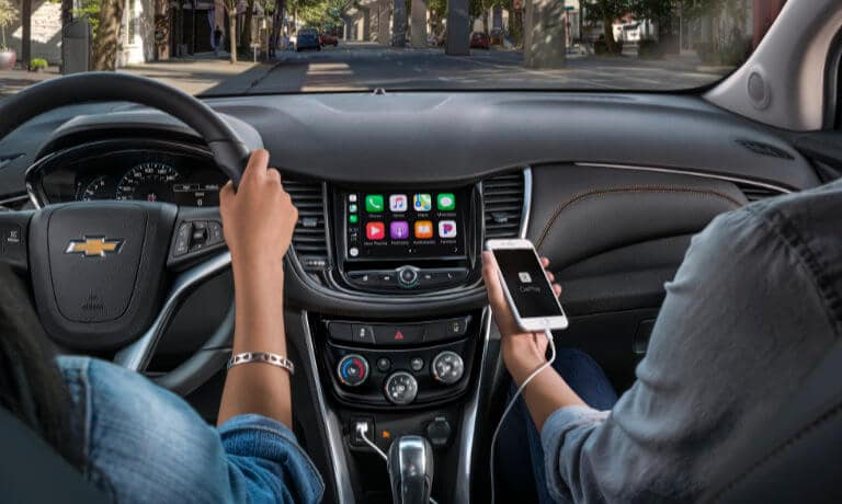 2020 Chevy Trax showing touch screen and apple play