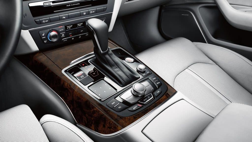 2018 Audi A6 center console