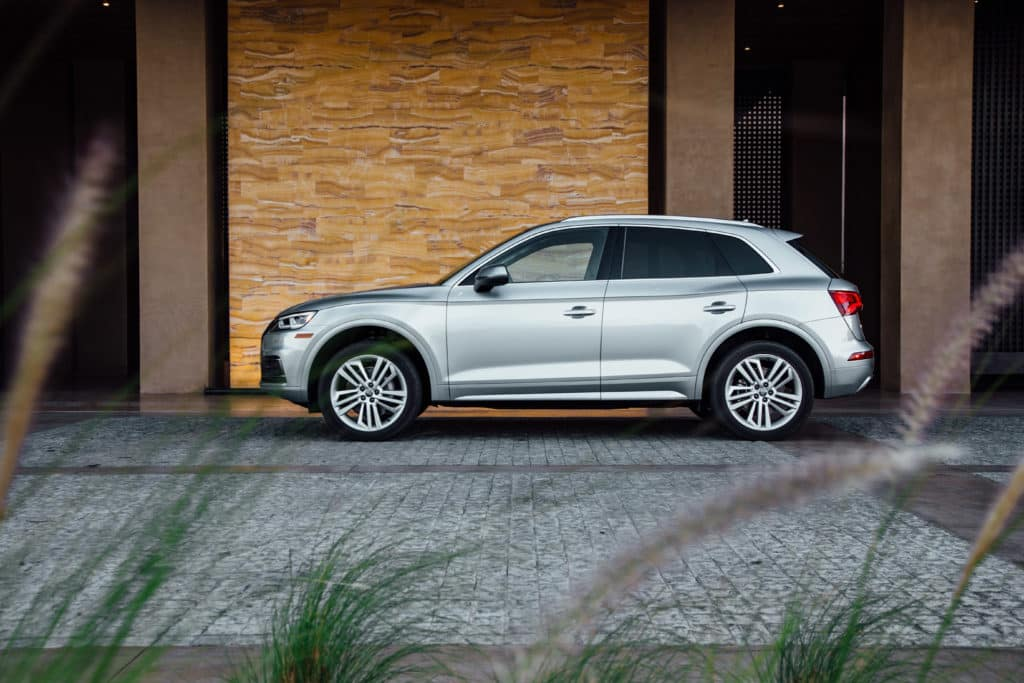 Side view of the 2018 Audi Q5