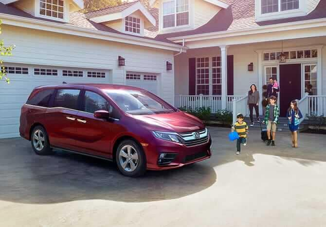 2019 Honda Odyssey model parked
