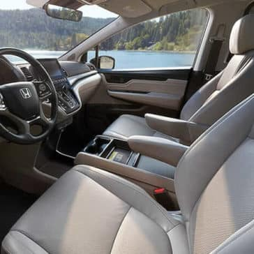 2019 Honda Odyssey front interior features