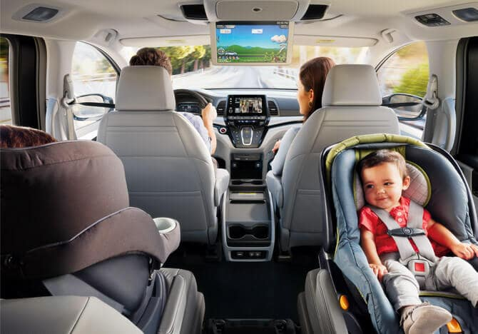 2019 Honda Odyssey rear interior seating features