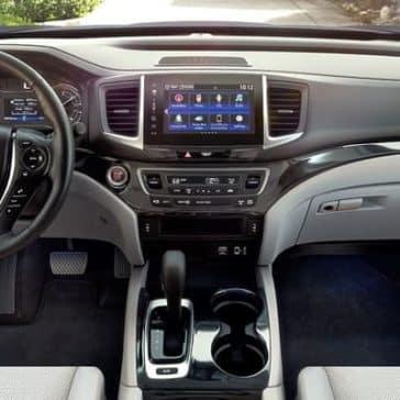 2019 Honda Ridgeline front interior