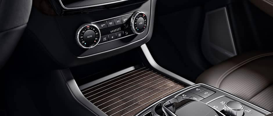 2019 Mercedes-Benz GLE controls