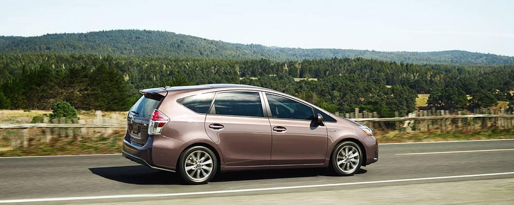 the 2017 toyota prius v wagon s stellar mpg ratings. Black Bedroom Furniture Sets. Home Design Ideas