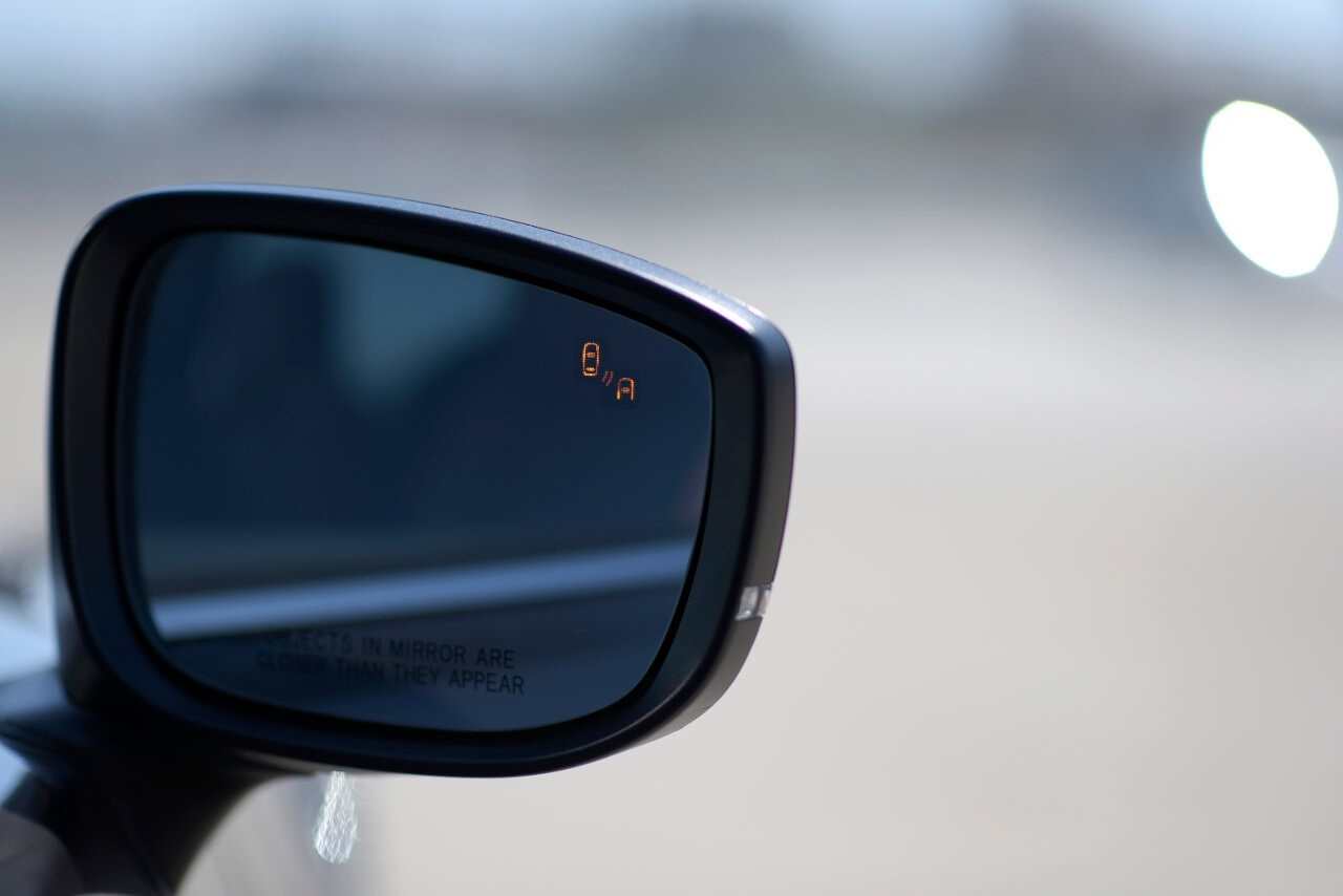 Mazda CX-9 blind spot monitor