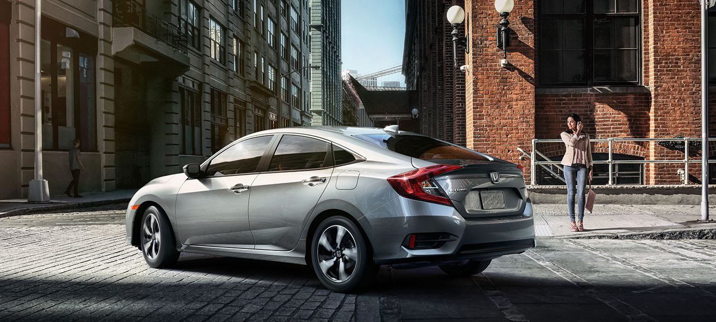 2017 Honda Civic Gas Mileage >> Drive Happier With The 2017 Honda Civic Making Up To 42 Mpg